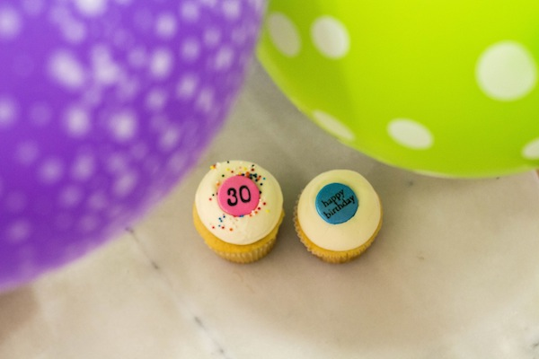 georgetown-cupcakes-30th-birthday-cake