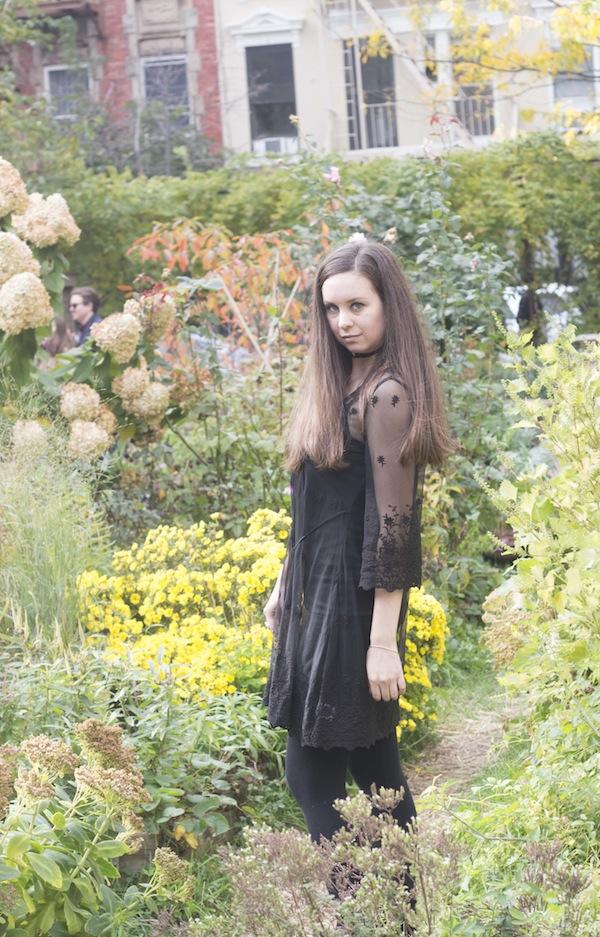 tobi-aspiring-socialite-garden